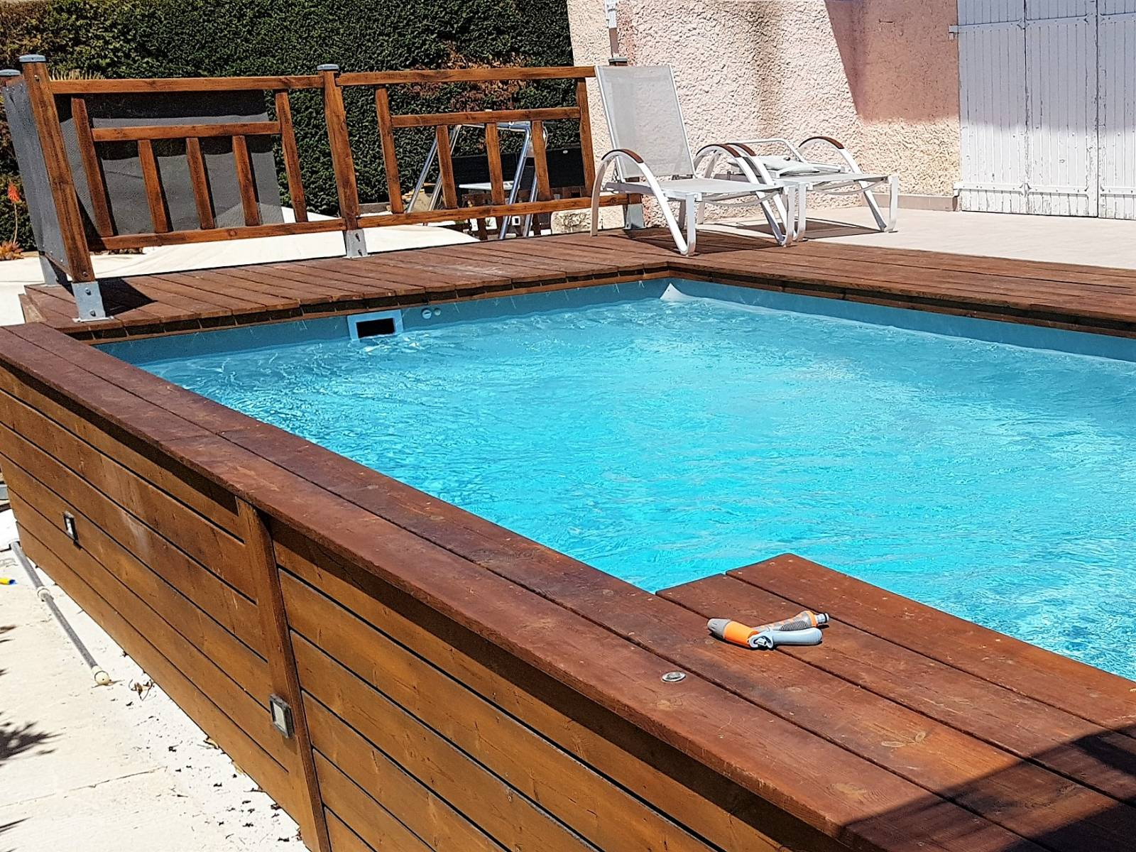 mini piscine 9x9 avec escalier sur Sanary sur mer - JCE Piscines