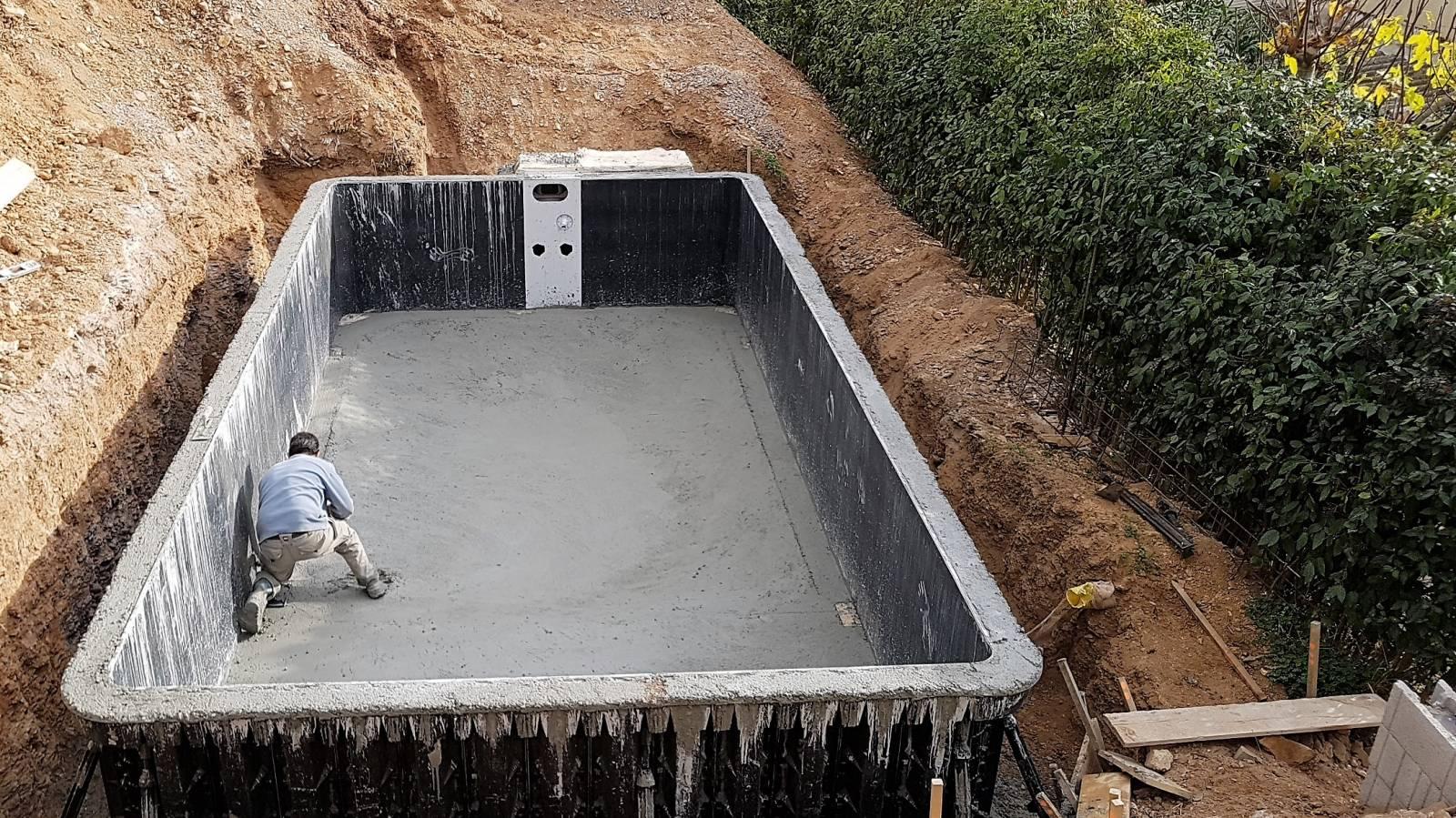 coulage b ton et mise en eau de piscine desjoyaux jce piscines. Black Bedroom Furniture Sets. Home Design Ideas