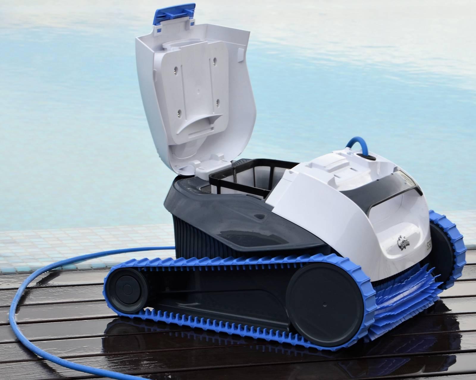 Robot piscine dolphin s50 jce piscines for Robot piscine desjoyaux