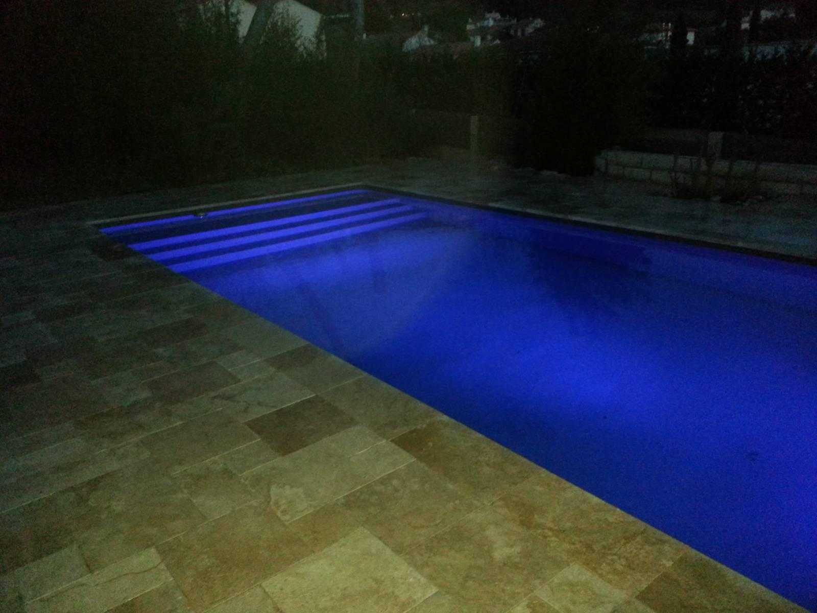 projecteur piscine desjoyaux interesting le principe de par giration du systme de filtration. Black Bedroom Furniture Sets. Home Design Ideas