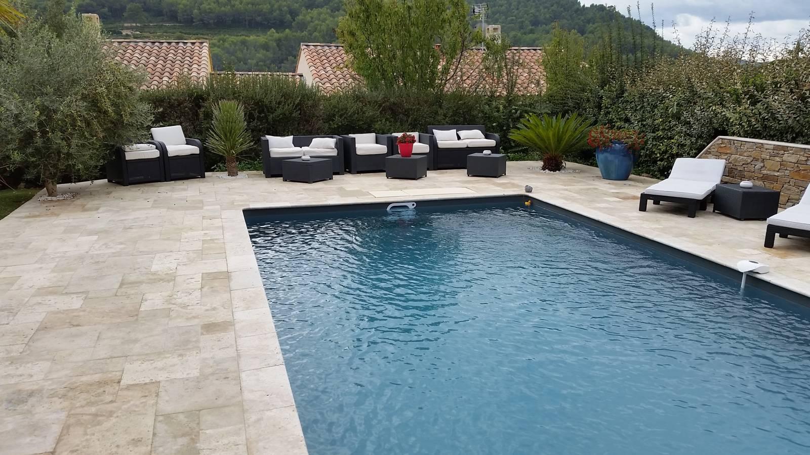 awesome piscine en travertin ideas. Black Bedroom Furniture Sets. Home Design Ideas