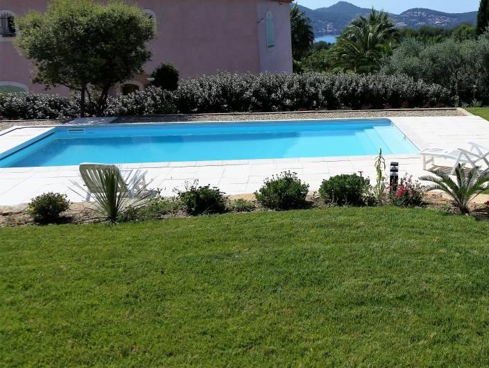 Devis piscine desjoyaux 8x4 projet piscine enterree for Volet piscine desjoyaux