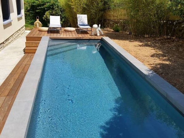 R alisations de piscines et de spas sur mesure six fours for Piscine six fours