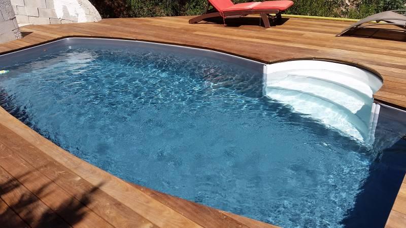 Installer piscines desjoyaux var formes dimensions for Plan piscine 8x4